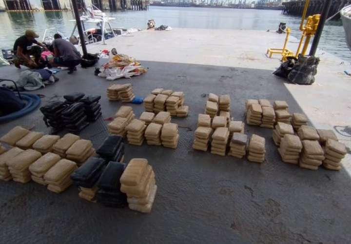 Caen colombianos y panameño con 284 paquetes de droga en Punta Coco