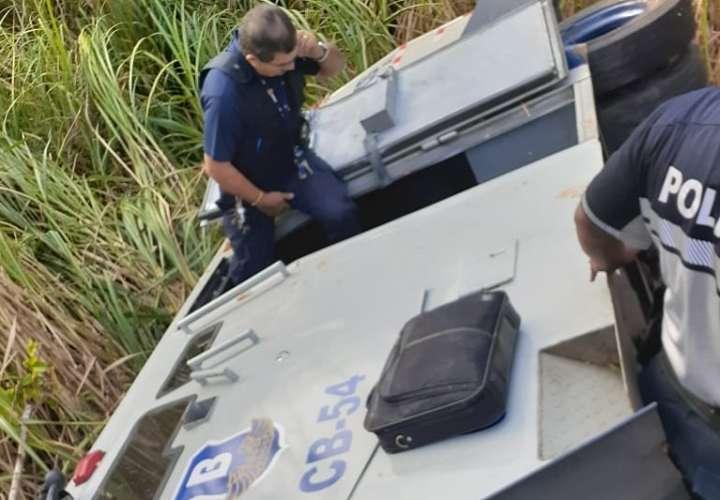Un muerto y dos heridos por vuelco de camión de Brinks en Chepo [Video]
