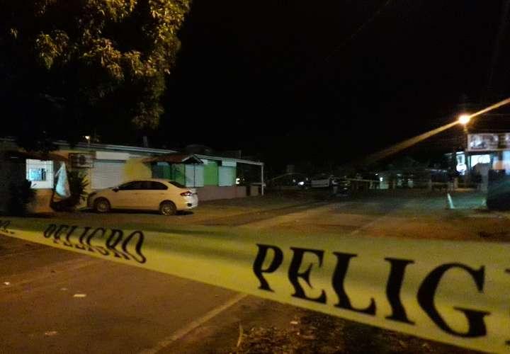 Asesinan a chiricano en estacionamientos de un bar