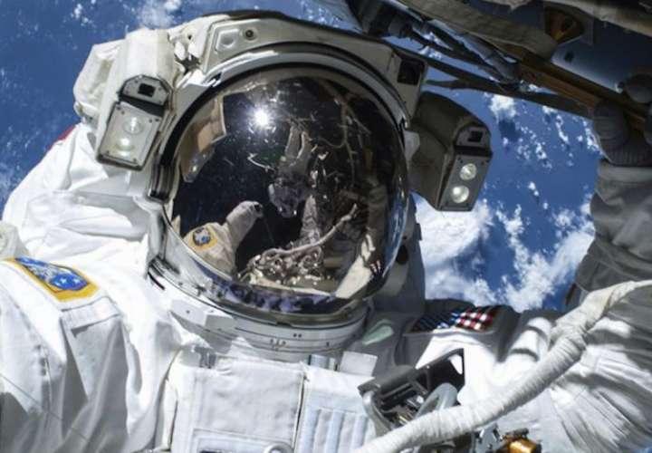 Cuarentena para astronautas: riesgos biológicos de viajar a la Luna y Marte