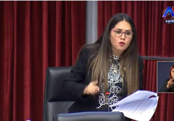 Ilegal aporte de funcionarios al Fondo Solidario, Zulay (Video)