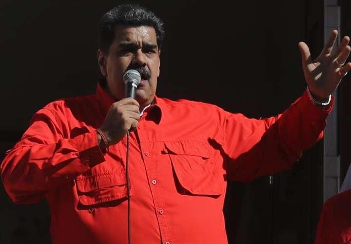 """Maduro envió una carta al pueblo de EEUU """"para que ponga freno"""" a las presiones"""
