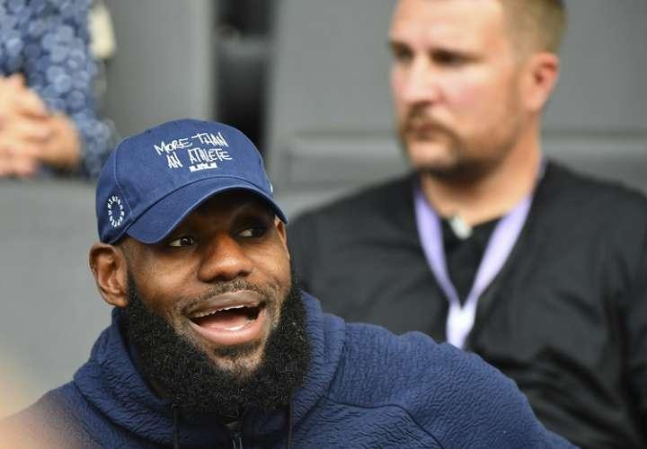 LeBron James, jugador de los Lakers. Foto: AP
