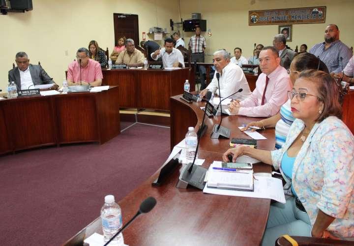 Piden citar a Gobernadora por tema de bonos y bolsas de comida en Panamá Oeste