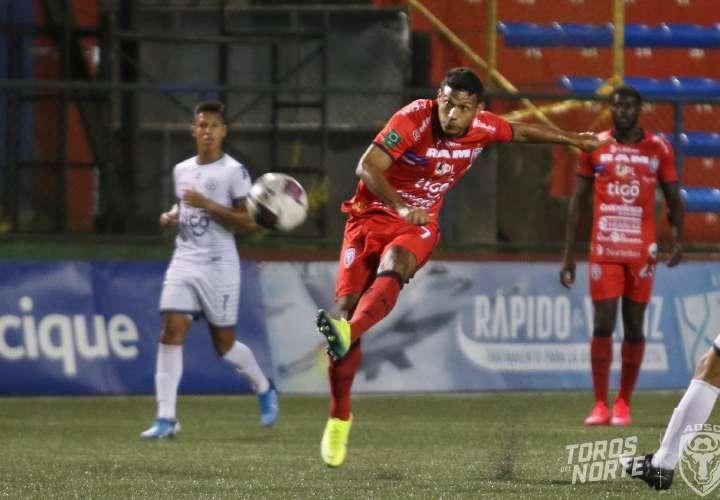 Alajuelense de Machado va contra San Carlos de Jorman