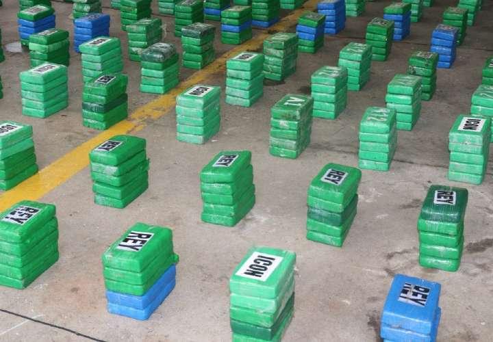 Incautan 1.2 toneladas de cocaína a colombianos