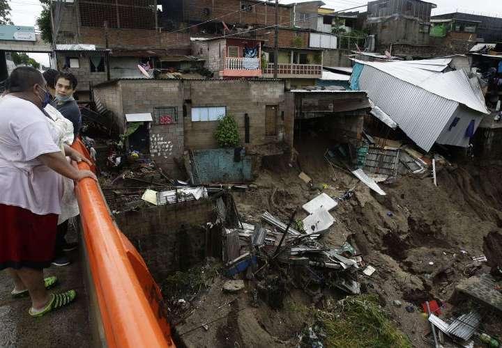 Amanda se degrada a depresión tropical sobre Guatemala y avanza a México