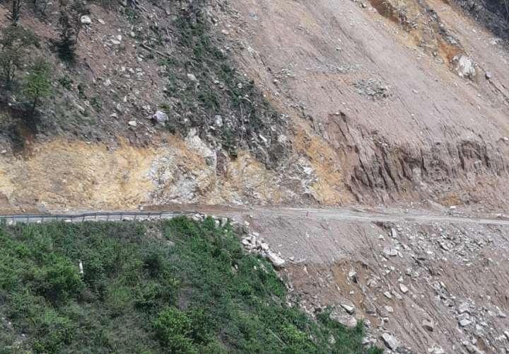 Trabajos en Cerro San Pablo tras deslizamiento