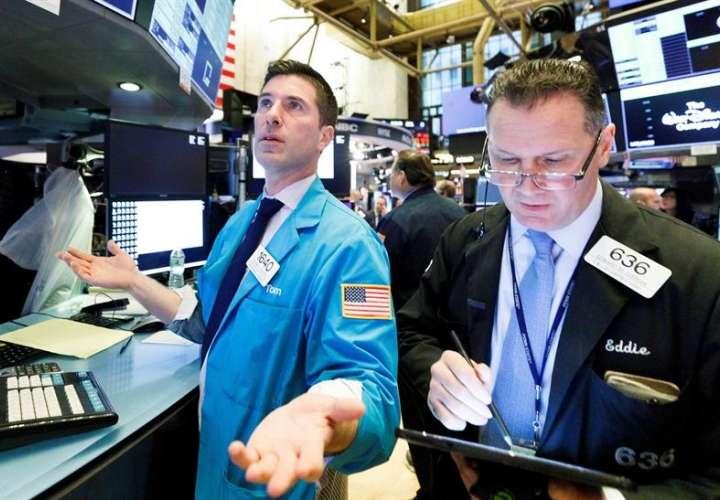 Dow Jones sube un 1,05 % y prima reaperturas por encima de los disturbios