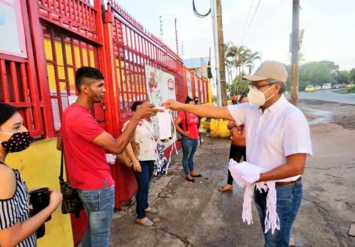 Siguen vigilando que se cumpla con uso de mascarilla en Merca Panamá