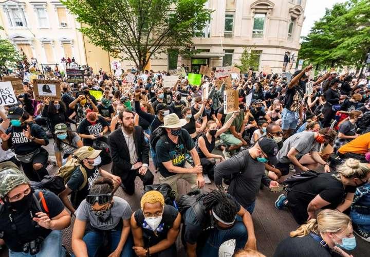 Protestas vuelven al centro de Washington sin poder llegar a Casa Blanca