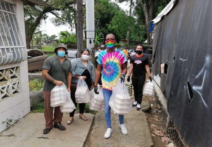 Grupos LBGTQI+ ayudan a familias necesitadas durante esta pandemia