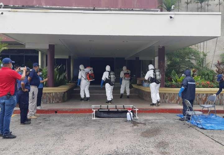 Desinfectan la Universidad de Panamá por casos de Covid-19