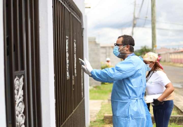 Casi 1,000 casos nuevos y 720 muertos por COVID-19 en Panamá