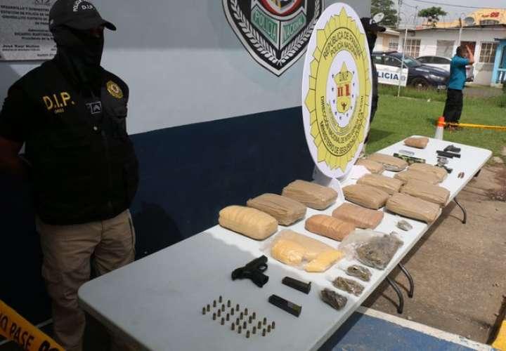 Cae policía, drogas y armas en operativo en El Tecal