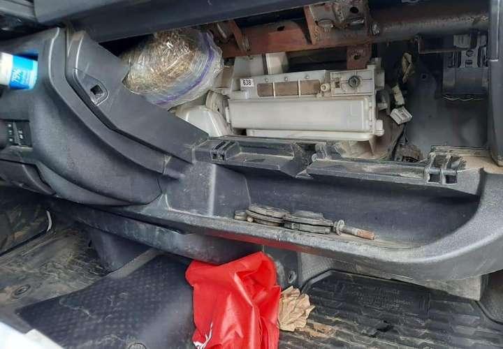 Dos detenidos por llevar droga en vehículo de junta comunal de Gobea