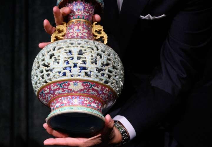 ¡Sorpresa! Encontró sin querer un jarrón valorado en 10 millones de dólares