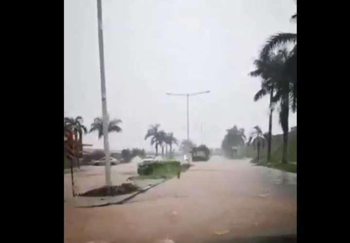 Chaparrones y tormentas eléctricas azotan Panamá (Video)