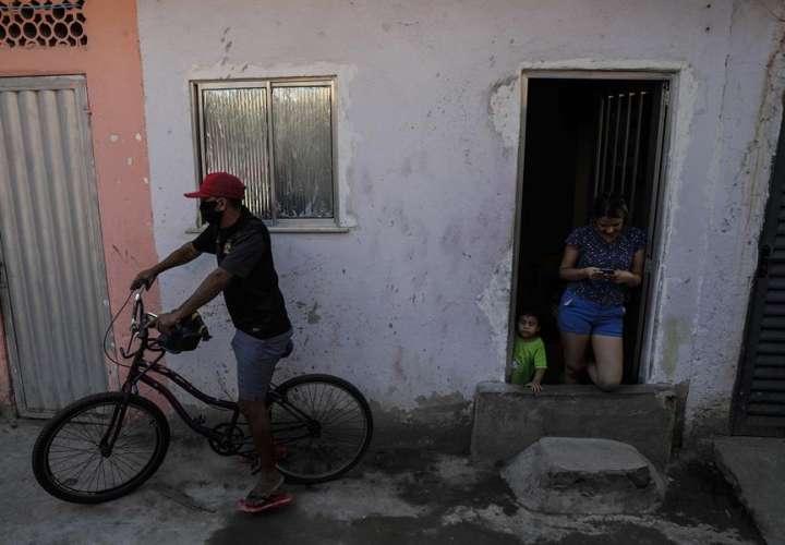 Pandemia deja en Latinoamérica récord histórico de 41 millones de desempleados