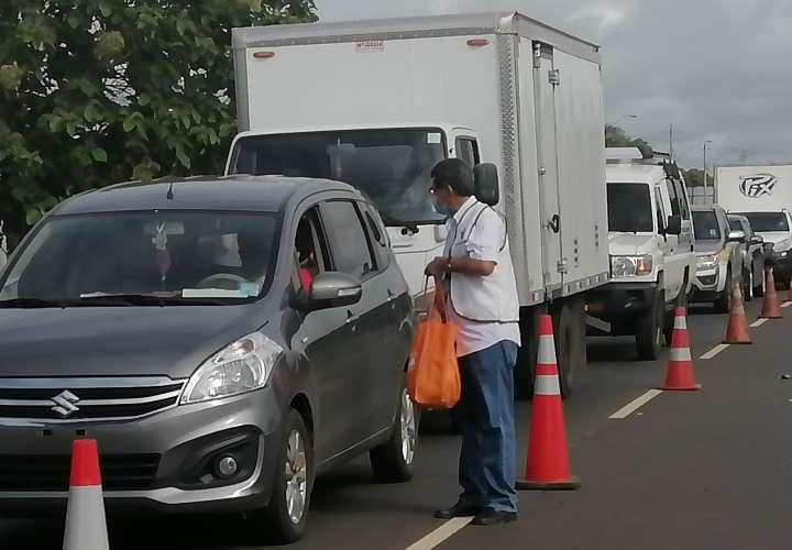 Más de mil 500 vehículos devueltos en un mes en cercos para entrar a Azuero
