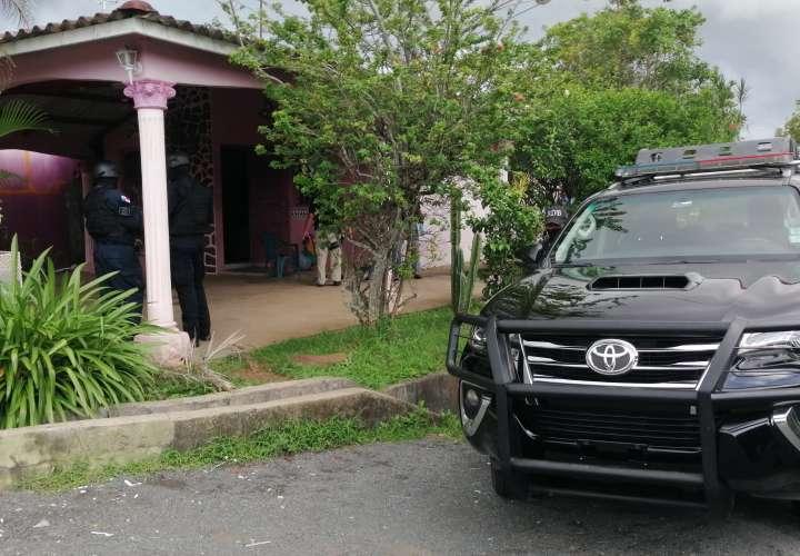 Capturan 17 vendedores criollos de droga