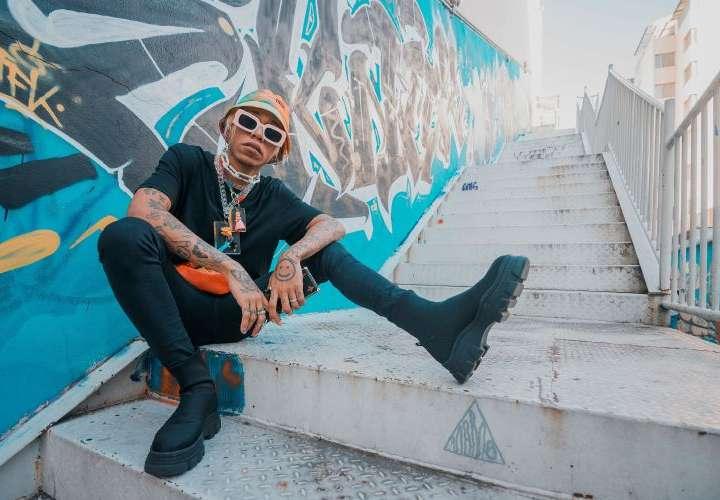 """Versatilidad, la clave de su éxito musical El artista cree que el """"freestyle"""" lo entrenó muchísimo para ser rápido y efectivo en el estudio."""
