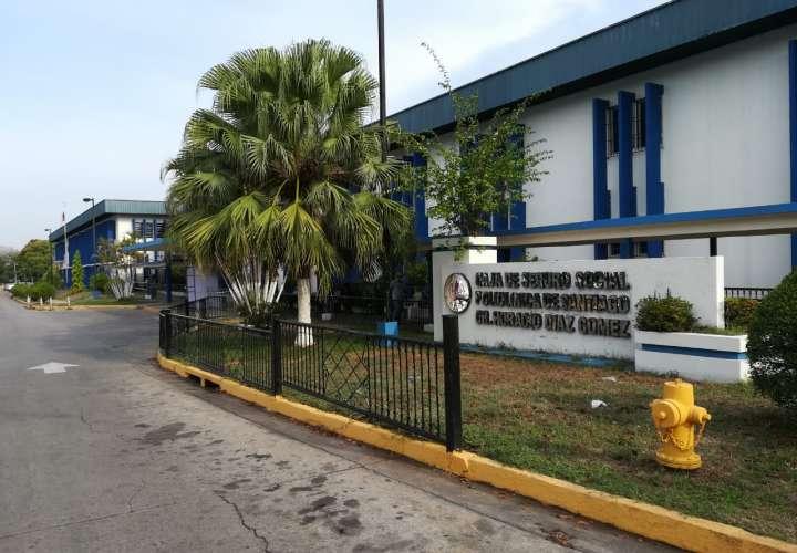 Suspenden servicio de farmacia en policlínica de Santiago por caso de Covid-19