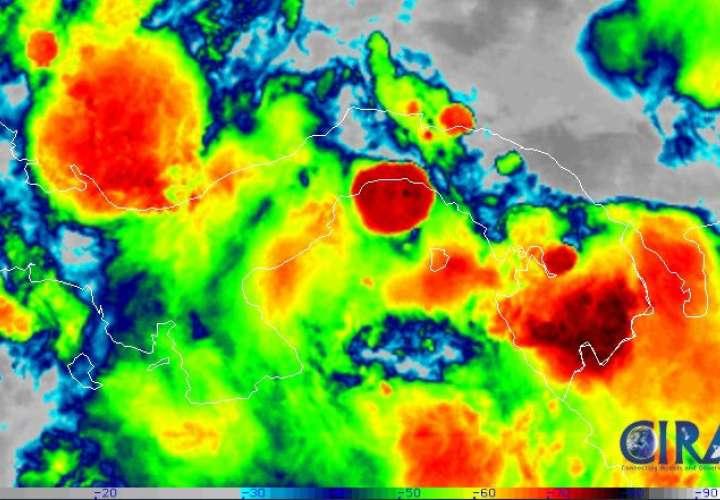 Lluvias y tormentas por paso de dos Ondas Tropicales