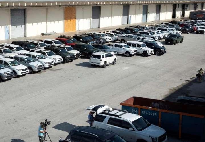 EE.UU. confisca 81 vehículos que iban a ser enviados a Venezuela