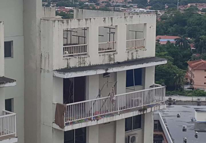 Estallido sacude Mystic Tower, deja 3 heridos y recuerda tragedia de Costamare