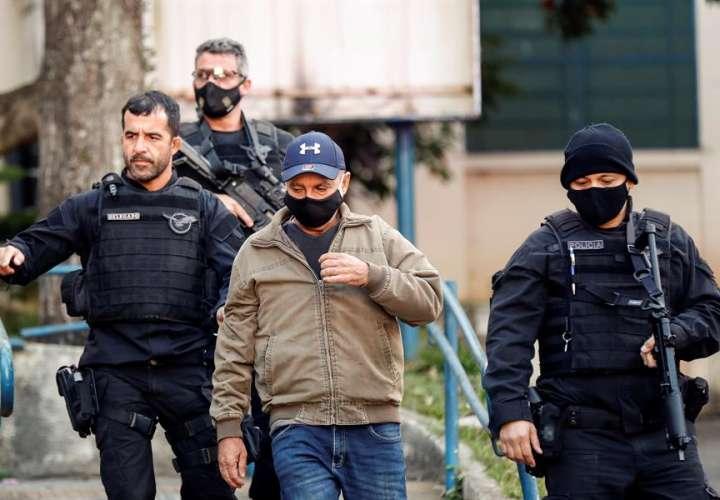 Exasesor de hijo de Bolsonaro acusado de corrupción va a prisión domiciliaria