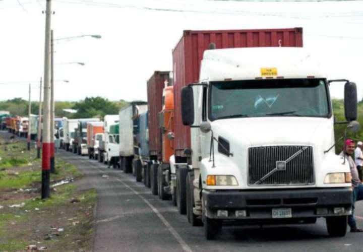 Traileros ticos ahora molestos con camioneros panameños