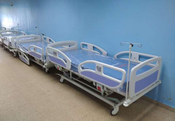 Nueve camas más para reforzar sala COVID-19 en complejo hospitalario de Colón