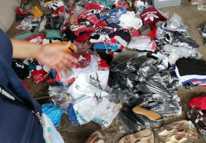 Decomisan piezas de vestir y mascarillas de contrabando en Chiriquí