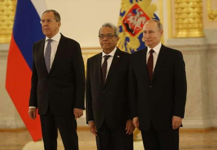 Panamá pide ayuda a Rusia en su lucha contra el Covid-19