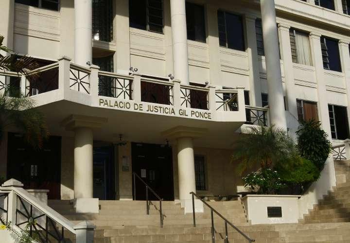Exfuncionaria demanda al Estado por casi $9 billones