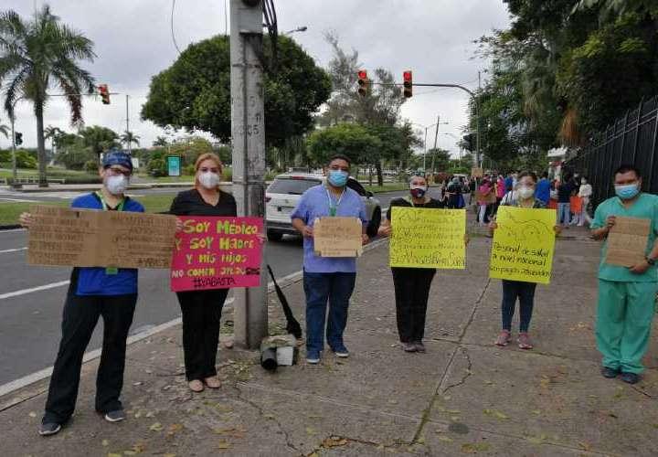 MINSA: Viene el billete que le deben a los médicos