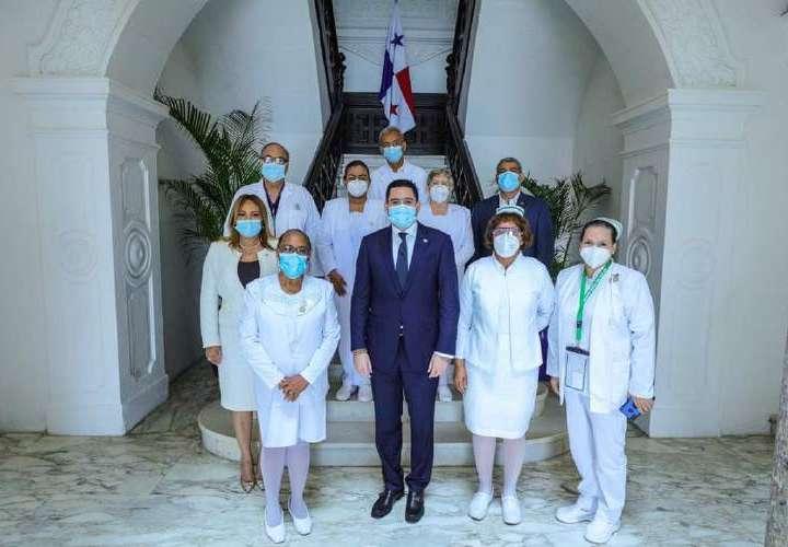 Gaby: 'bille' para las enfermeras viene bajando