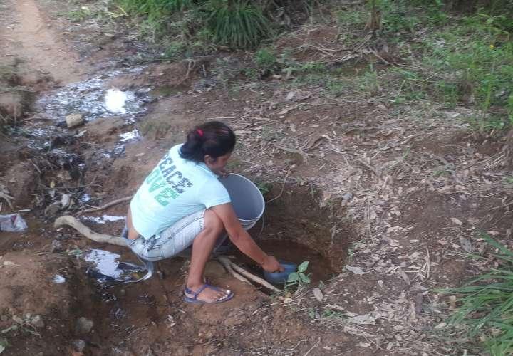 Familias humildes sin agua, comida ni techo en Veraguas