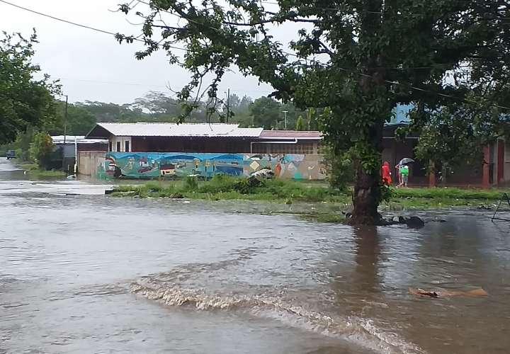 Mal tiempo provoca inundaciones y susto entre chiricanos