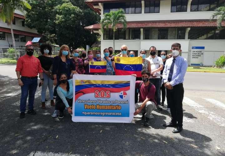 Venezolanos varados en Panamá quieren irse a su país
