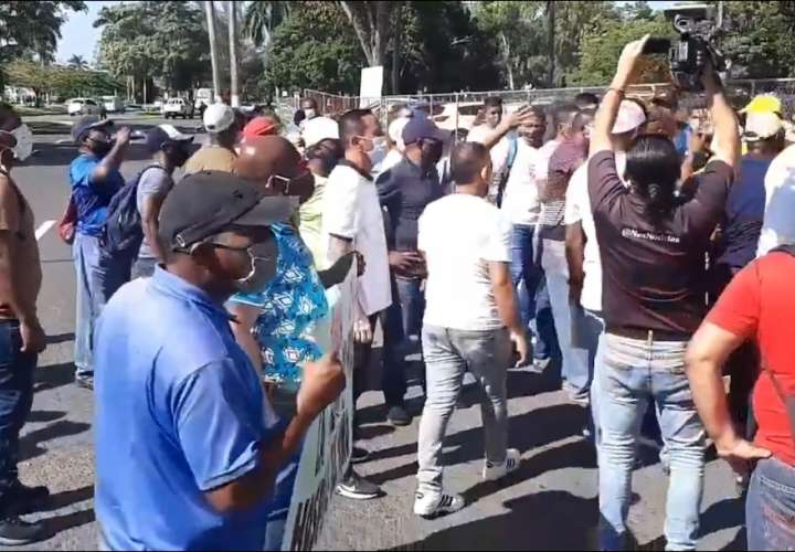 Residentes de Calidonia piden plazas de empleo en nuevo Hospital del Niño