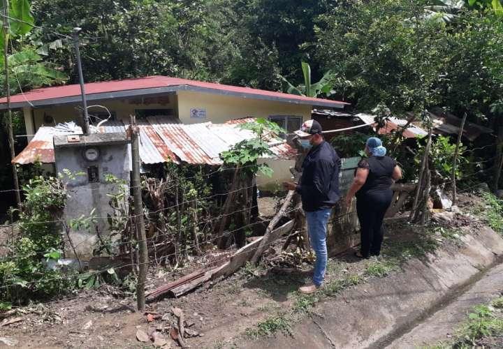 Colapsan cerros en Boquete y en Barú quebrada amenaza con llevarse una casa
