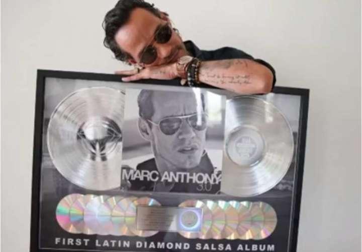 Marc Anthony es el primer salsero en recibir Disco de Diamante por un álbum