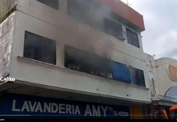 Conato de incendio en Colón: Bomberos controlar rápido la emergencia