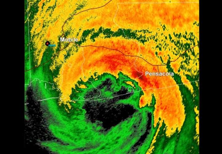 Sally se reduce a tormenta tropical tras tocar tierra como huracán en Alabama