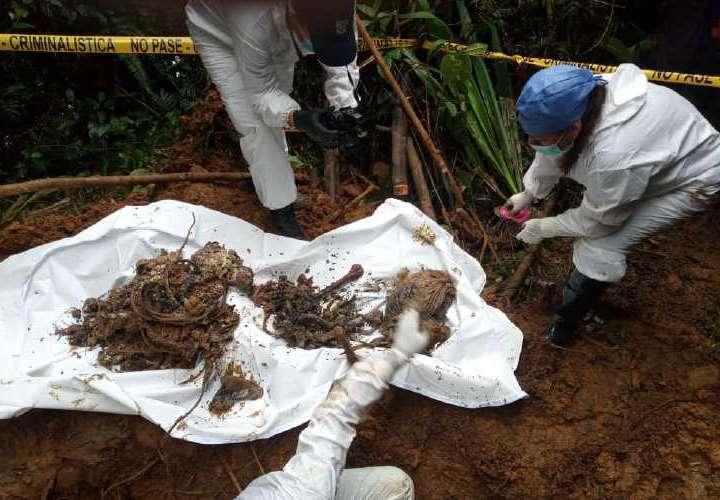 Imelcf inicia estudios biológicos de restos encontrados en fosa clandestina