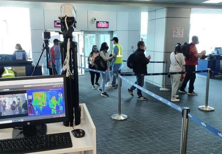 Venezolanos varados en Panamá no pudieron viajar a su país