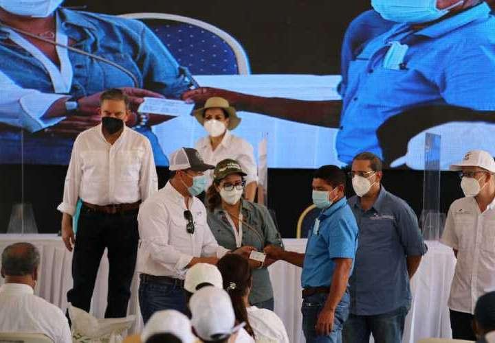 La ARAP entidad renueva licencia a pescadores artesanales