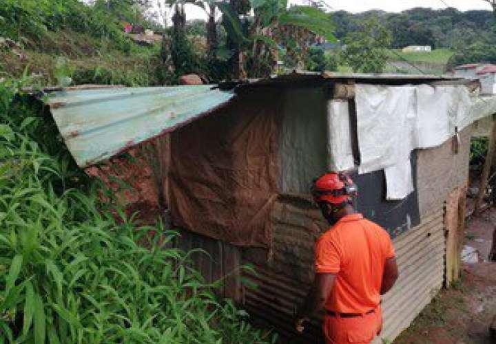 Tres viviendas afectadas por deslizamiento en Arraiján